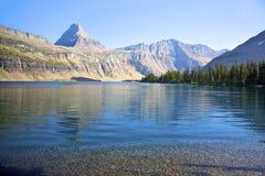 隐藏的湖 免版税库存照片