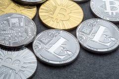 隐藏货币市场、趋向、展望专家和贸易商的发展的例证 Litecoin 库存图片