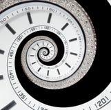 隔绝在黑未来派现代白色报时表摘要分数维超现实的螺旋 手表时钟异常的抽象纹理时间 免版税库存照片