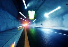 隧道和汽车 免版税库存照片