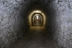 隧道在图尔达盐矿 库存图片