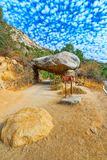 隧道岩石 壮观的全国美国自然公园-优胜美地 免版税库存照片