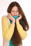 难受的女孩冷和 她有牙痛 免版税库存照片