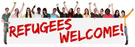 难民可喜的迹象小组年轻多种族人民 免版税库存照片
