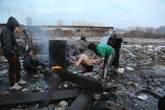 难民在冬天期间在塞尔维亚 免版税库存照片