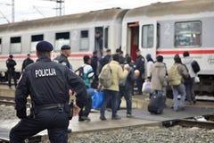 难民在Tovarnik (塞尔维亚人- Croatina边界) 图库摄影