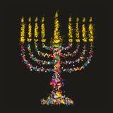 难看的东西传统化了五颜六色的Chanukiah (menorah)在黑背景 免版税库存图片