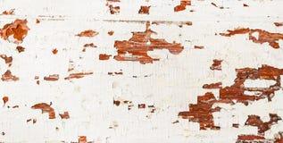 难看的东西老木棕色织地不很细背景纹理与削皮油漆白色颜色的 各种各样的葡萄酒背景 库存照片