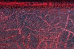 难看的东西金属表面-宏指令6上的破裂的红色油漆 库存图片
