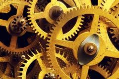 难看的东西齿轮,嵌齿轮转动背景 工业科学,钟表机构,技术 免版税库存图片