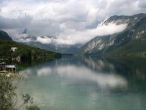 难以置信的Bohinj湖在斯洛文尼亚 免版税图库摄影