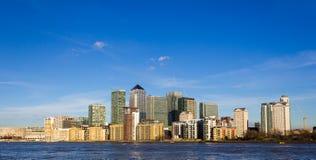 黄雀色伦敦码头 库存照片