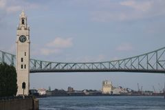 雅克cartier桥梁蒙特利尔钟楼 库存照片