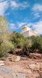 雅典卫城,雅典娜耐克寺庙从下面 免版税库存照片