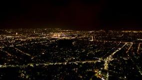 雅典在夜鸟瞰图之前 免版税图库摄影