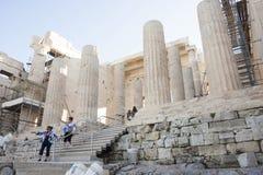 雅典娜耐克人观光的寺庙  免版税图库摄影