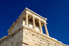 雅典娜耐克寺庙在雅典卫城,希腊 免版税图库摄影
