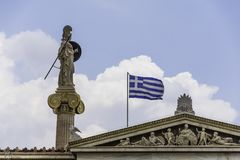 雅典娜雕象雅典科学院的 免版税库存照片