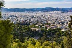 雅典市看法有Hephaestus寺庙的从上城小山,雅典,希腊的 免版税库存图片