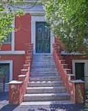 雅典希腊,房子入口在Plaka老邻里 免版税库存图片