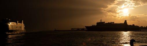 雅典港在9月 免版税库存图片