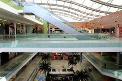 雅典空的购物中心购物 免版税库存照片