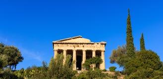 雅典,希腊 在蓝天背景的Hephaestus寺庙 库存照片