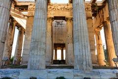 雅典,希腊 在蓝天背景的Hephaestus寺庙 免版税图库摄影