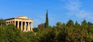 雅典,希腊 在蓝天背景的Hephaestus寺庙 免版税库存图片