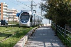 雅典,希腊- 2018年3月07日:在街道上的城市电车 免版税库存图片