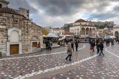 雅典,希腊- 2017年1月20日:Monastiraki广场,雅典,希腊全景  库存照片