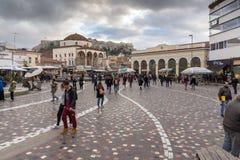雅典,希腊- 2017年1月20日:Monastiraki广场,雅典,希腊全景  免版税库存图片