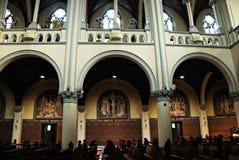 雅加达圣母升天主教座堂内部和博物馆在雅加达,印度尼西亚 库存照片