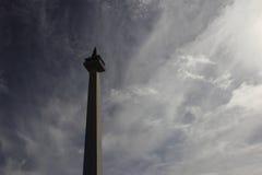 雅加达 2016年12月20日, 在灰色天空的Monas 免版税库存图片