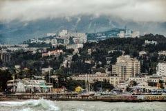 雅尔塔从海的市视图 库存照片