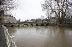 雅芳河畔布拉福路桥梁 库存图片
