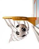 集中篮子,看法的关闭的Soccerball。 免版税库存图片