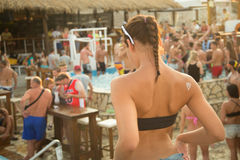 集会在Zrce海滩,诺瓦利亚, Pag海岛,克罗地亚 库存照片