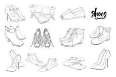 集合手拉的图表男人和妇女鞋类,鞋子的例证 偶然,体育和古典样式的鞋子 免版税库存照片