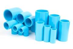 集合蓝色PVC管子配件联接和手肘, PVC输送管道配件 库存照片