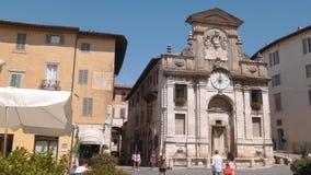 集市广场喷泉在斯波莱托,翁布里亚,意大利 股票录像