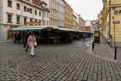 集市广场在布拉格的老镇的心脏 图库摄影