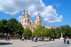 集市广场的领港教会在Berezhany在Berezhany, Terno 免版税库存照片
