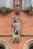 集市广场的,在门面,弗罗茨瓦夫,波兰的安心哥特式WrocÅ 'aw老城镇厅 免版税库存照片