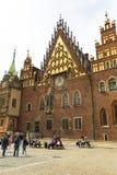集市广场的,弗罗茨瓦夫,波兰哥特式弗罗茨瓦夫城镇厅 图库摄影