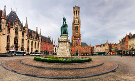 在Markt,布鲁日,比利时的雕象 库存照片