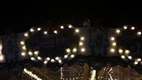 集市旋转木马在晚上 影视素材