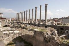 集市,考古学站点废墟在伊兹密尔 库存照片