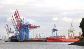 集装箱码头在汉堡。 免版税库存图片