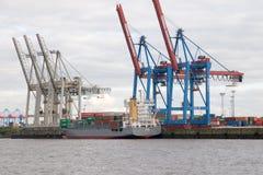 集装箱码头在汉堡。 免版税库存照片